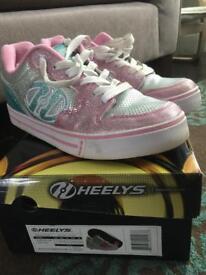 Heelys size 5 pink