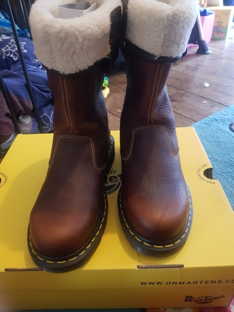 861f70070 BRAND NEW DR MARTENS ROSA LADIES SAFETY RIGGER BOOTS