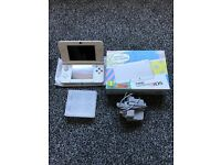 NEW Nintendo 3DS White Boxed Like New