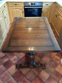 1930's Oak Table & 4 chairs.
