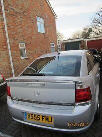 Vauxhall Vectra 2.2 Direct Elite 2005 Very high spec. including sat nav & front & rear sensors, FSH.