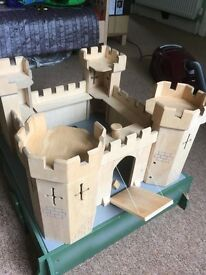 CASTLE for sale! Brilliant for imaginative play. Selection of knights included.