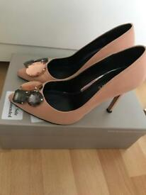 Bourne size 3 nude shoes