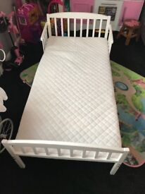 Kids toddler bed cheap quick sale