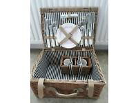 *NEW* picnic basket