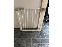 Lindam stair gate pressure fit