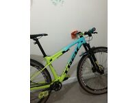 Trek supercaliber 9.7 medium frame