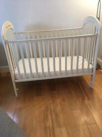 Mamas and papas solid wooden cot