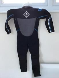 Kids wetsuit aged 8/9