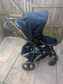 Britax Smile with brand new carrycot