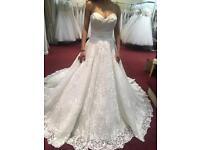 Elegent wedding dress + Free veil & under skirt