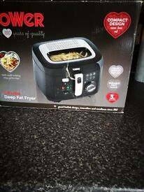 Tower deep fryer 2.5ltr capacity only used twice as new cost £29.99 will accept £15