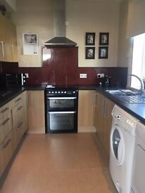 Rutherglen - Semi-Detached 2 bed House To Rent