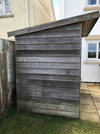 Cedar summerhouse/shed, lined 7x5ft