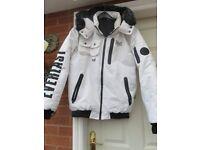 everlast large white jacket-