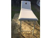 massage table in very good condition