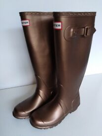 124c0b5bbaa Bronze tall hunter wellies wellington boots new unworn with tags.