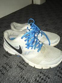 Nike Tech Windrunners UK 5(feel like 6)