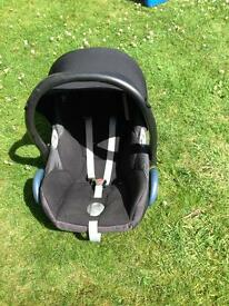 Baby car seat / new born to 9months