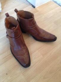 Men's boots small size 12