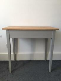 Small wooden desk - great condition!