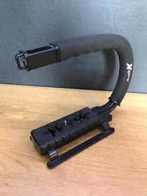 Camera grip handle
