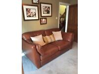 Brown leather sofa, stunning 2 seater couch, great seatee!