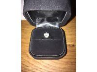Tiffany & Co 0.85ct, VS1, excellent, G, Platinum Engagement ring.