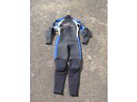 Brand new Sola wetsuit men's small medium