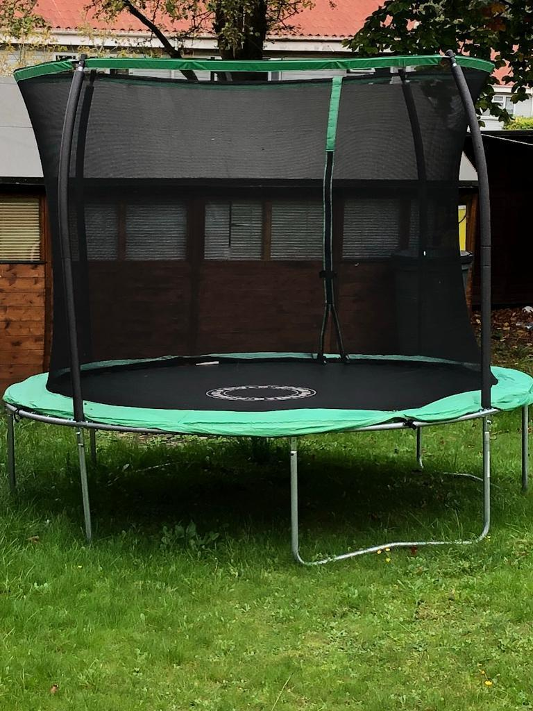 10ft trampoline very good condition