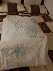 John lewis single duvet cover and 1 pillow case