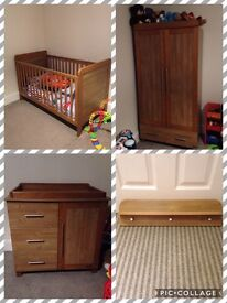 A beautiful Furniture set Rrp £995 ONLY wanting £125 for fast sale!!!