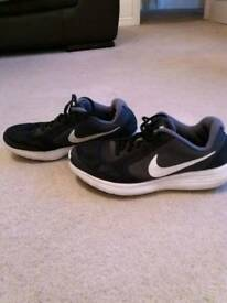 Nike Revolution 3 size 5