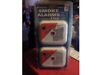2 PACK - SMOKE ALARMS THAT INCLUDE BATTERIES