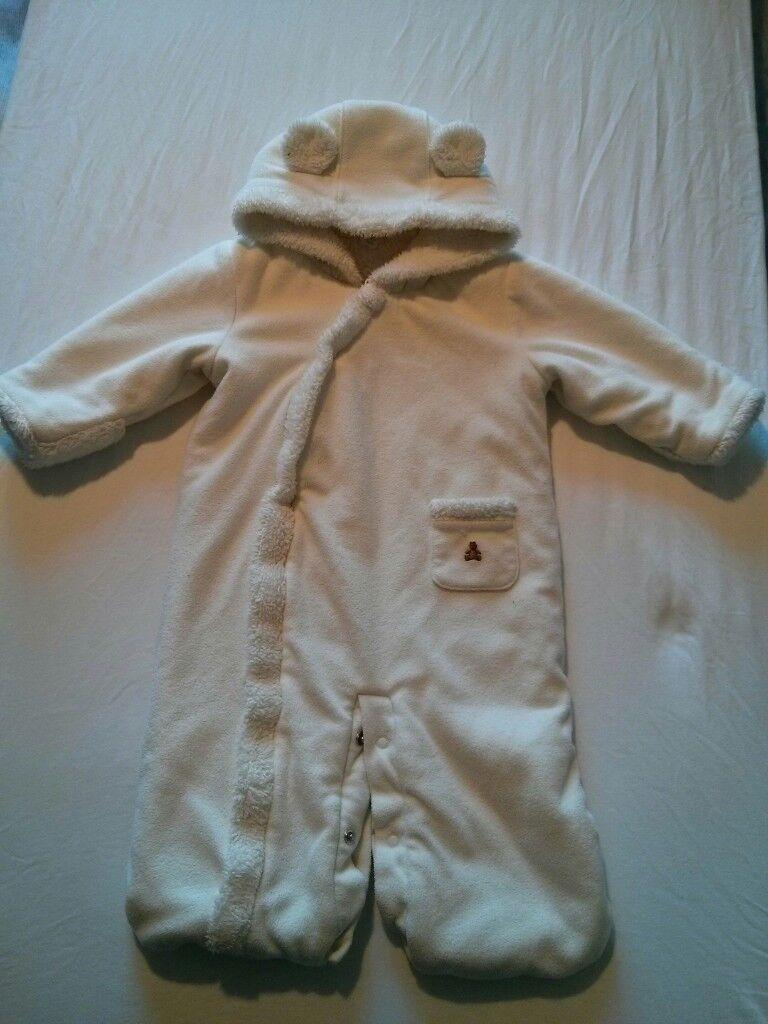416fb6391167 White pram suit snow suit 3-6 months £6