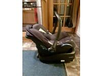 MaxiCosi CabrioFix baby car seat and FamilyFix Isofix base