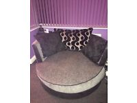 DFS SPINNING CHAIR BLACK AND GREY