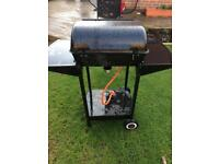 Gas bbq with regulator quick sale