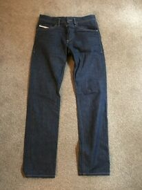 Mens Diesel Braddom Jeans. W28 L32