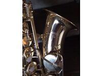 Yamaha alto saxophone : a sought- after model - YAS-25 VGC with various extras