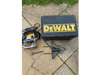 DEWALT DW625E Router