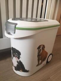 Pet life food storage bin