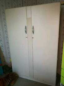 Solid wood double wardrobe with keys