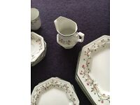 ETERNAL BEAU DINNER AND TEA SET ITEMS INCLUDING 6 WINE GLASSES