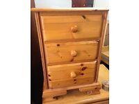 Pine set of drawers
