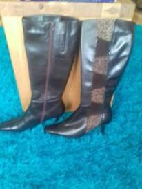 Lotus leather boots new