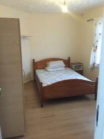4 BED STUDENT ONLY LET- PAY NO AGENT FEES