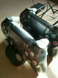 PS4 controllers & charging stand
