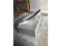 Brand new size 6 wedding shoe