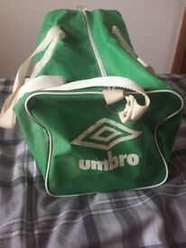 Celtic F.C. vintage bag from the 1980s in used condtion still usable with straps and handles £5
